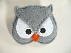 Felt owl brooch gray and  white  felt bird brooch by by ynelcas, $6.00