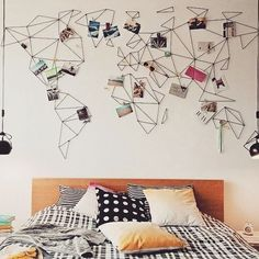 [VIAGENS ✈🚙] Viajar é uma delícia, não é? Conhecer novos lugares, novas culturas, novas pessoas... Então olha que ideia de decoração bacana pra marcar os lugares que já percorremos e criar um mural de fotos e recordações das viagens pra ficar sempre a vista!  #decor #arquitetura #quattrodaadica #inspiracao #ideias #diy #cores #viagem #mapa #interiordesign #decoracao  #homedecor  #arquiteturadeinteriores #interiordecor #reforma #quattroarchitettura  #suacasalinda #decora #simples…