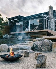 Country Style Magazine, Whale Song, Bruny Island, Lakeside Cabin, Haus Am See, Outdoor Spaces, Outdoor Decor, Sunny Beach, Outdoor Fire