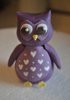 Owl Cake Topper by Stephanie (Cake Fixation), via Flickr