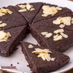 Raw Chocolate Cake, My Dessert, Take The Cake, Raw Vegan, Healthy Desserts, Food Processor Recipes, Cravings, Cake Recipes, Tasty