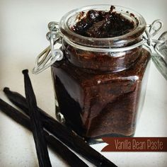 A Little Bit Of Homemade Heaven: Vanilla Bean Paste Note you can use honey maple syrup or agave for maleo. Homemade Spices, Homemade Vanilla, Bellini Recipe, Vanilla Paste, Paste Recipe, Thermomix Desserts, Bean Paste, Vegetarian Recipes Easy, Healthy Recipes