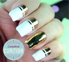 Unhas espelhadas de todas as cores, na Esmalteria Curitiba tem! (Imagem: Unha de Ouro)
