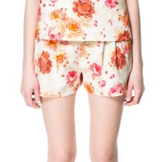 Zara Jaquard Shorts Worn once, no defects, mid-rise, they have a structured feel to them, really cute with a casual tee or dressed up with heels, 100% cotton, 2 inch inseam Zara Shorts
