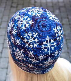 Ravelry: Inga Snöflinga hat pattern by Johanne Landin Knitting Charts, Knitting Socks, Knitting Patterns, Knitting Ideas, Knit Socks, Crochet Winter, Knit Crochet, Crochet Hats, Crochet Beanie Hat