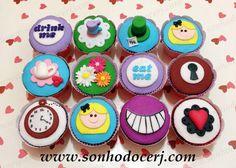 Cupcakes Alice no País das Maravilhas!!  curta nossa página no Facebook: www.facebook.com/sonhodocerj