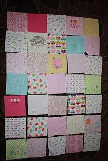 The One With the Cupcakes: The One with Ellie's Memory Quilt.Memory quilt from old baby clothes. Old Quilts, Baby Quilts, Memory Quilts, Diy Baby Clothes Memory Quilt, Baby Memory Quilt, Old Baby Clothes, Sewing Crafts, Sewing Projects, Knitting Projects