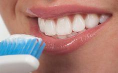 Πρέπει+να+βουρτσίζετε+τα+δόντια+σας+στα+σκοτεινά!+Δείτε+γιατί!