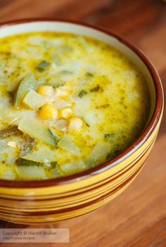 This quick and easy Summer Soup with Spinach And Zucchini (also called Green Borscht) is packed with Mexican Soup Recipes, Vegetarian Recipes, Cooking Recipes, Healthy Recipes, Summer Soup Recipes, Mexican Cheese Soup Recipe, Mexican Soup Vegetarian, Shrimp Recipes, Recipes Dinner