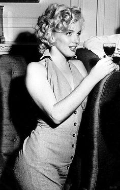 Marilyn Monroe ♥✿´¯`*•.¸¸✿♥✿´¯`*•.¸¸✿♥✿´¯`*•.¸¸✿♥✿´¯`*•.¸¸✿♥✿´¯`*•.¸¸✿ http://bygaga.com.ua/pictures/devushki/10401-eroticheskie-foto-devushek-75-foto.html