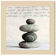 """Disponible sur Paris-Prix.com ! Cadre Toile Zen """"Equilibre"""" 28x28cm Beige"""