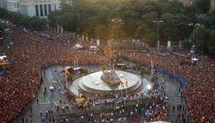 La multitudinaria celebración de España en las calles de Madrid