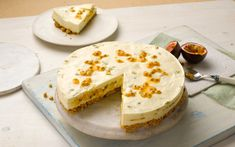 Combining mango and passion fruit with an injection of delicious Philadelphia, this cheesecake recipe will have the whole family begging for Passionfruit Cheesecake, Passionfruit Recipes, Mango Cheesecake, Cheesecake Recipes, Delicious Cake Recipes, Yummy Cakes, Yummy Treats, Easy Recipes, Party Desserts