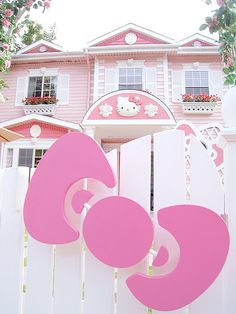 cute, hello kitty, home, mansion, pink Hello Kitty Haus, Hello Kitty Items, Hello Kiti, Hello Kitty Imagenes, Wonderful Day, Rosa Pink, Hello Kitty Collection, Pink Houses, Dream Houses