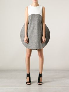 http://www.farfetch.com.br/shopping/women/tsumori-chisato-colour-block-shift-dress-item-10526265.aspx?storeid=9421