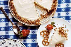 Pretzel Ice Cream Pie With Pretzel Crunch Crust