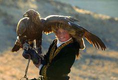 13歳の少女「鷹匠へ」古代カザフ族から、6,000年の伝統を継承する『夢が実現』