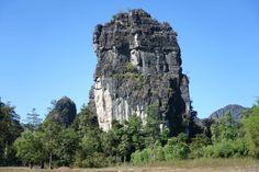 Die Karstberge bei Thakek erinnern an die Landscha. Laos, Krabi, Half Dome, Ha Long, Vietnam, Wanderlust, Germany, Mountains, Nature
