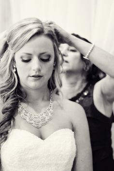 bride, bridal posing, wedding photography, wedding photographer in Colorado