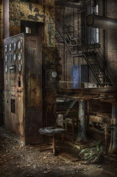 Abandoned power plant :: ( explore ) by andre govia., Anything like the underground power room? Old Buildings, Abandoned Buildings, Abandoned Places, Abandoned Castles, Urbane Fotografie, Mein Café, Abandoned Factory, Images Gif, Haunted Places