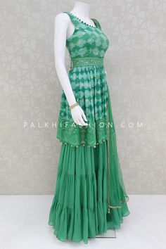 Indian Dresses Online, Indian Gowns Dresses, Indian Fashion Dresses, Indian Designer Outfits, Indian Outfits, Gowns Online, Fancy Dress Design, Fancy Blouse Designs, Stylish Dress Designs