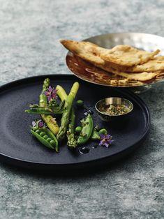 Sjekk ut hvor godt maten kommer frem når du serverer på sort tallerken fra Nara serien vår under Porselen kapittelet- Øvrige serviser. Vi elsker!