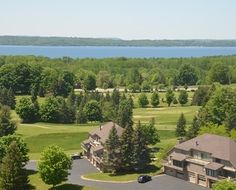 Grand Traverse Resort & Spa Bayview Condo's, walking distance to main resort. Great for family weeks in Northern Mighigan!
