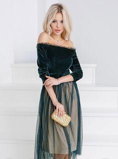 Купить - Пышное платье из бархата с контрастным подкладом