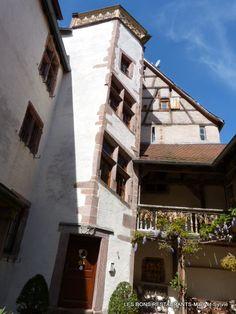 Riquewihr(68)-Rue des Remparts-Cours de l'abbaye d'Autrey!