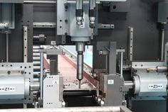 Drilling machines DANOBAT, T3CH, are automatic drilling machines with three spindles and a fully automatic tool changer system on each drillhead.