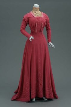 I adore the rich, beautiful blush-meets-raspberry hue of this dress from 1906. Edwardian fashion dress vintage pink.