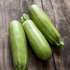 Le zucchine con la mollica di pane sono un piatto saporito e goloso che conquista da sempre tutti i commensali
