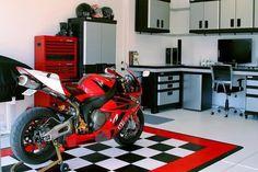 My future garage. Love the layout! Motorcycle Workshop, Motorcycle Garage, Honda, Man Shed, Ultimate Garage, Garage Interior, Man Cave Garage, Garage Workshop, Super Bikes