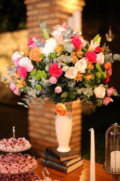 Arranjo para mesa de doces by Soundlight Eventos - Christian Hilton e Isabelle Lopes