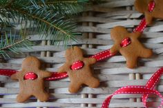 gingerbread garland - try with salt dough