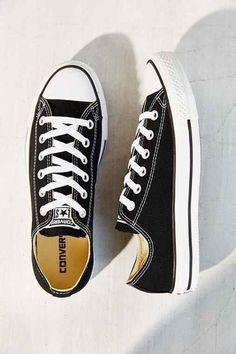 ed0606f746d8 Converse Chuck Taylor All Star Women s Low Top Sneakers