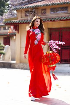 ngoc-trinh-linh-chi-diu-dang-trong-ao-dai-xuan-blogtamsuvn05