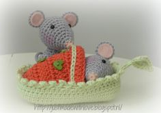 Just made with love by Antoinette. Amigurumi mice. (Inspiration).