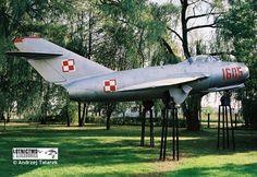 Lim-2  Pomnik znajduje sie w Ksawerowie na terenie szkoły Fighter Jets, Aviation, Aircraft, Park, Parks, Planes, Airplane, Airplanes, Plane