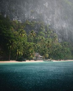 "Tropical rains in 🌴""There is nothing more magical then being on a tropical beach while it's pouring with rain. This day was one to remember. "" (📷: 📍: El Nido, Palawan) by El Nido Palawan, Palawan Island, Canon Photography, Travel Photography, Wildlife Photography, Voyage Philippines, Philippines Travel, Costa, Voyager Loin"