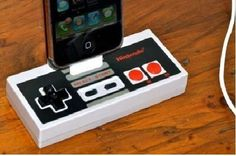 This Nintendo Controller i-Dock Recharges Your iPhone in Retro Fashion #Nintendo