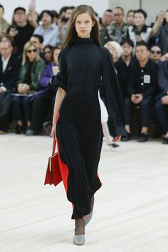 Céline Spring 2017 Ready-to-Wear Fashion Show - Iris Landstra