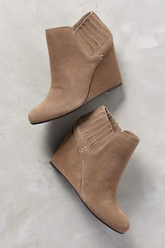 Dolce Vita Gwynn Booties - looking for the perfect taupe bootie....