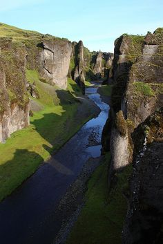 Fjaðrárgljúfur is a canyon in south east Iceland which is up to 100 m deep and about 2 kilometres long, with the Fjaðrá river flowing through it. It is located near the Ring Road, not far from the village of Kirkjubæjarklaustur. Oh The Places You'll Go, Places To Travel, Places To Visit, Wonderful Places, Beautiful Places, Seen, Lofoten, Iceland Travel, The Great Outdoors