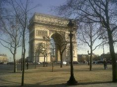 Travellers:here I am!!: Midday in Paris
