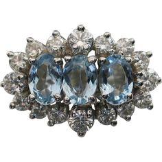 GLISTENING 18kt White Gold Aquamarine & Diamond Cluster Ring