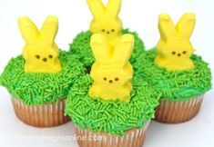 Simple Easter Peep Cupcakes! Such a cute and easy treat idea for Easter this month!