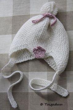 Käsitöitä, sisustusta, leipomista ja maalaiselämää käsittelevä blogi, jossa mukana ripaus äitinä olemisen ihmeellisyyttä. Chrochet, Knit Crochet, Crochet Hats, Baby Knitting Patterns, Crochet Patterns, Pattern Library, Baby Head, Knitted Hats, Diy And Crafts
