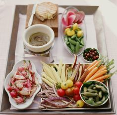 This crudité plate is the most beautiful thing on the table