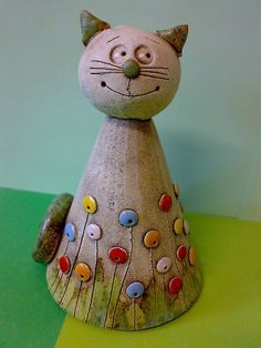 Kocourek / Zboží prodejce Akoča a Ufola | Fler.cz Pottery Animals, Ceramic Animals, Ceramic Art, Clay Projects, Projects For Kids, Clay Cats, Ceramic Workshop, Cat Statue, Cute Clay